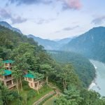 Cottages overlooking the Ganges River in Rishikesh